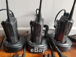Lot of 6 Motorola CP200 Two Way Radio/Walkie Talkie with chargers