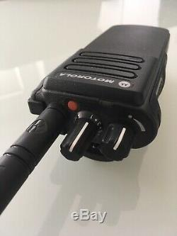 MOTOROLA DP4400e DIGITAL RADIO/WALKIE TALKIE