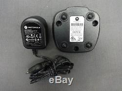 Motorola 900MHz Two-Way Radio Walkie Talkie DTR550 Holster Charger AC Adapter